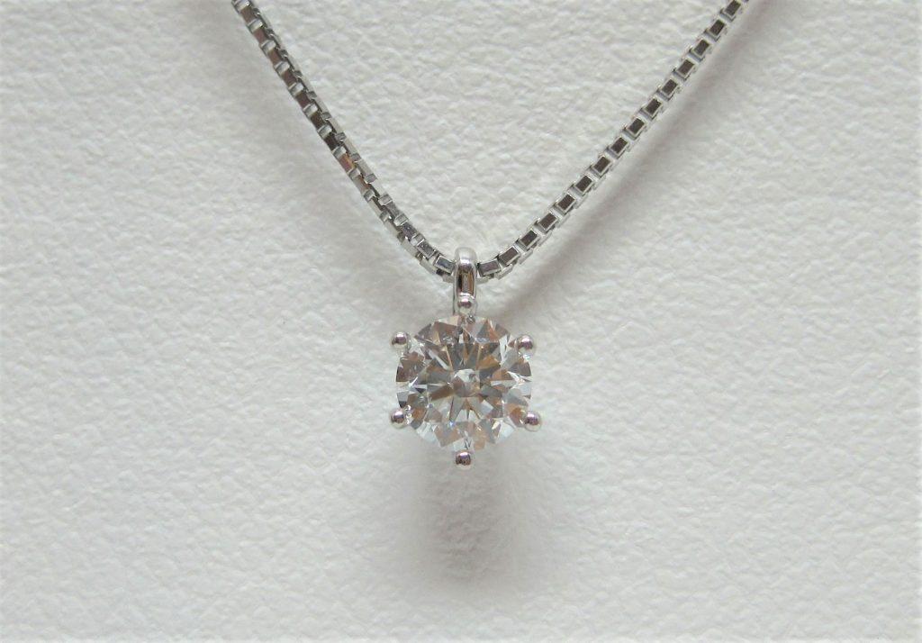ダイヤと言えば一粒石ネックレスですね