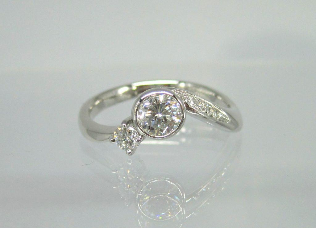 2つのダイヤモンドリングを1つのリングにリフォーム