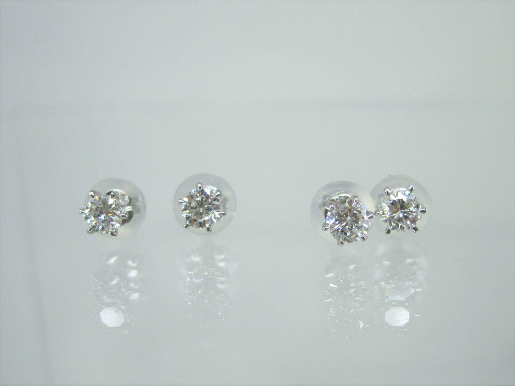 2組のダイヤモンドピアス