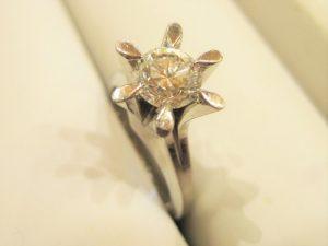 大粒ダイヤはやはり魅力的ですね