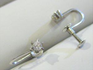 プラチナ製のダイヤイヤリング