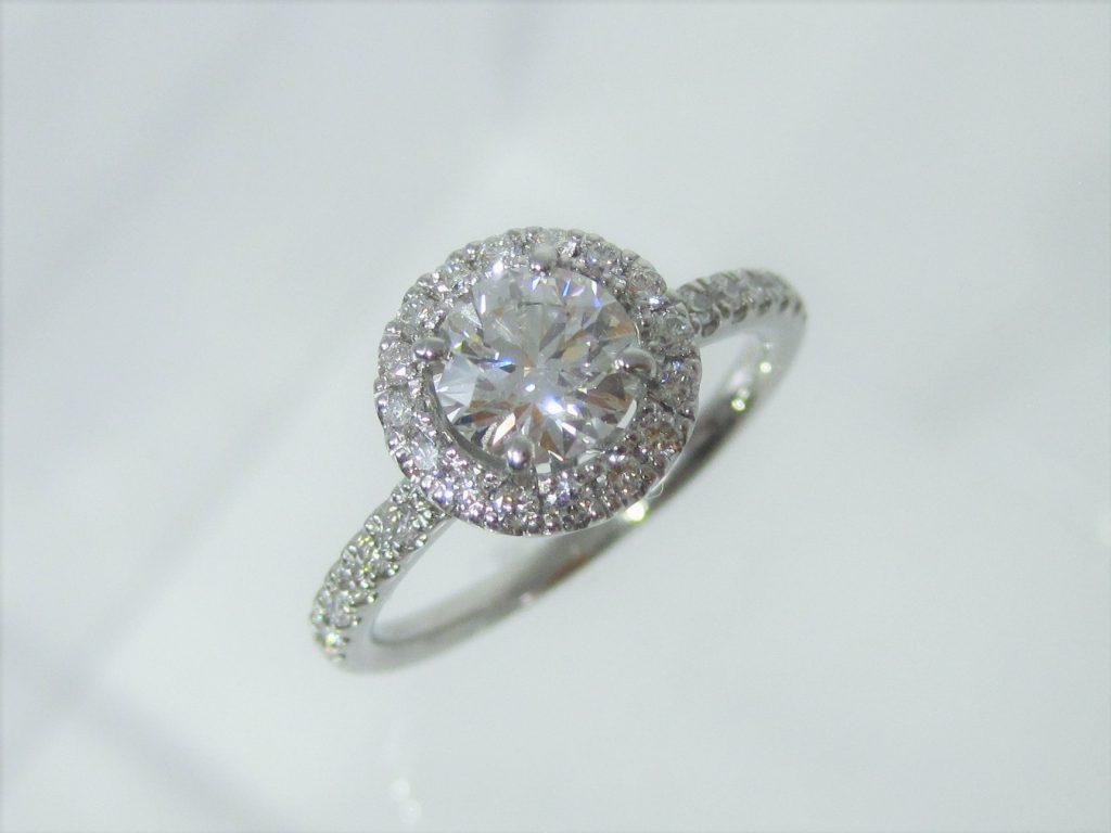 ハート&キューピッドのダイヤがより一層輝きます。